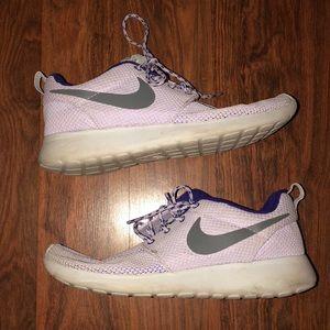 Nike Lavendar Roshes